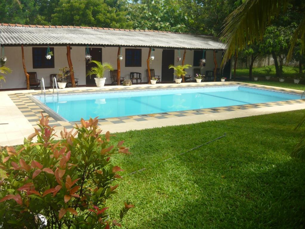 Sunrise Holiday Resort, Palugaswewa