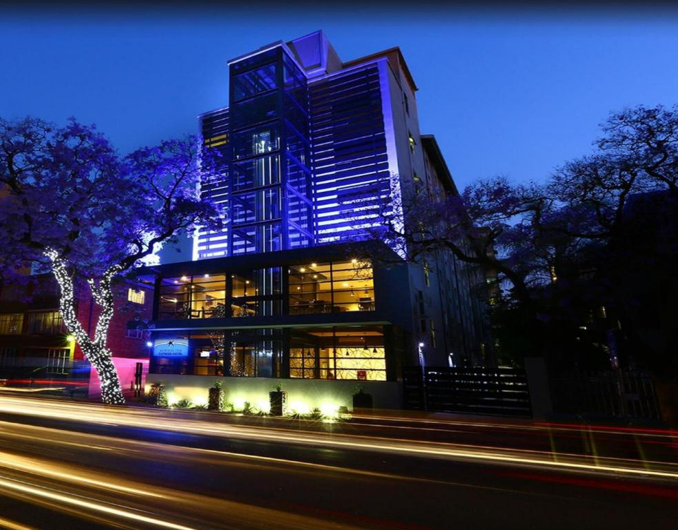 Best Price on Morningstar Express Hotel in Pretoria + Reviews