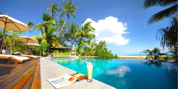 The Privilege Hotel Ezra Royal Beach Koh Samui