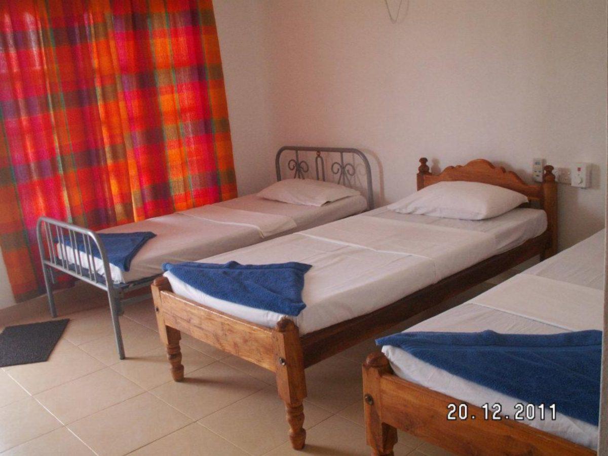 Deep Sea Resort, Manmunai North