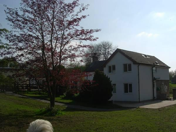 Glan Llyn Farm House, Denbighshire