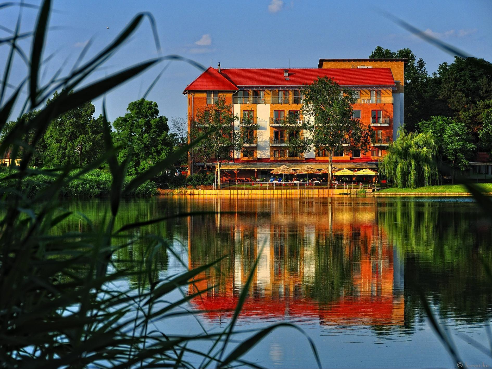 Hotel Corvus Aqua, Orosház