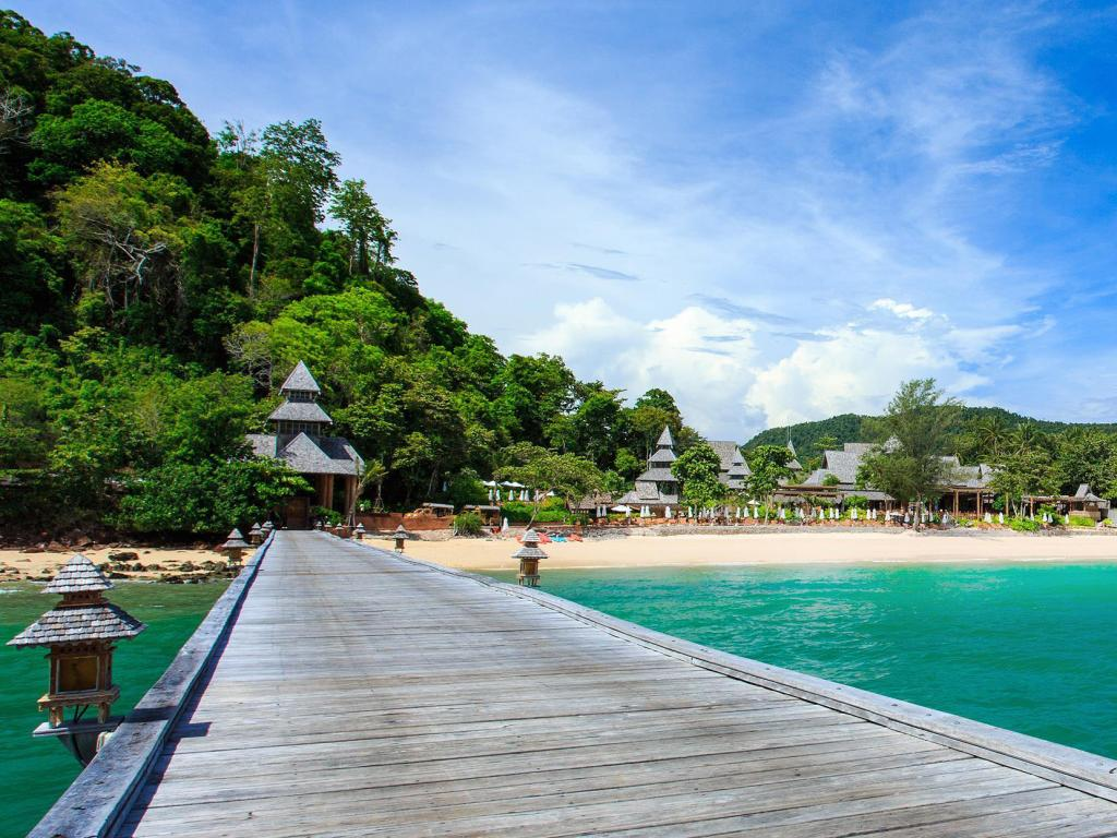 Best Beach Resorts In Thailand In August
