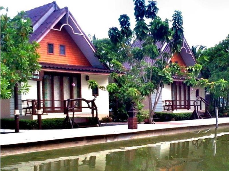 Baan Thai Damnoen Canal House Resort