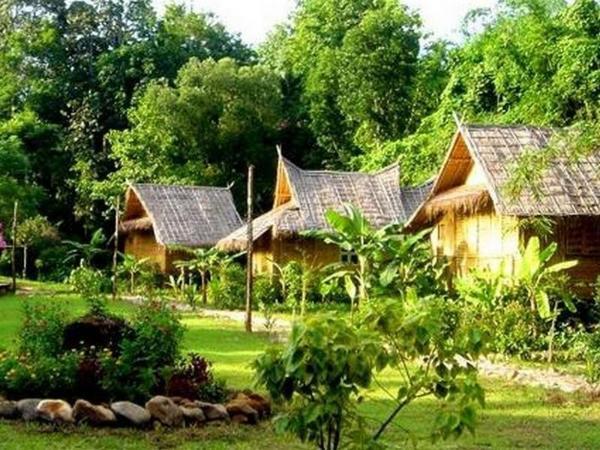 Phu Iyara Resort Thong Pha Phum