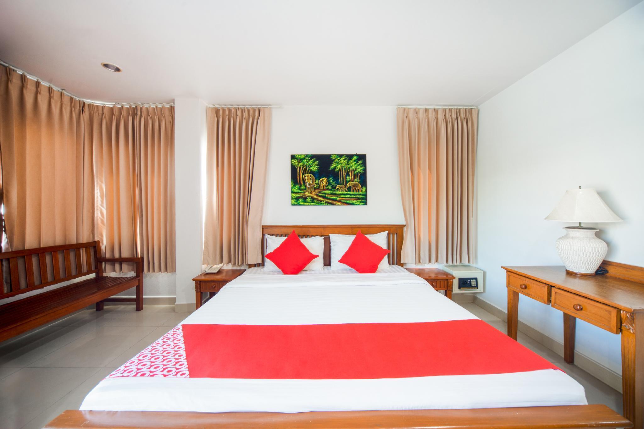 OYO 239 Dee Viking Hotel Patong, Pulau Phuket