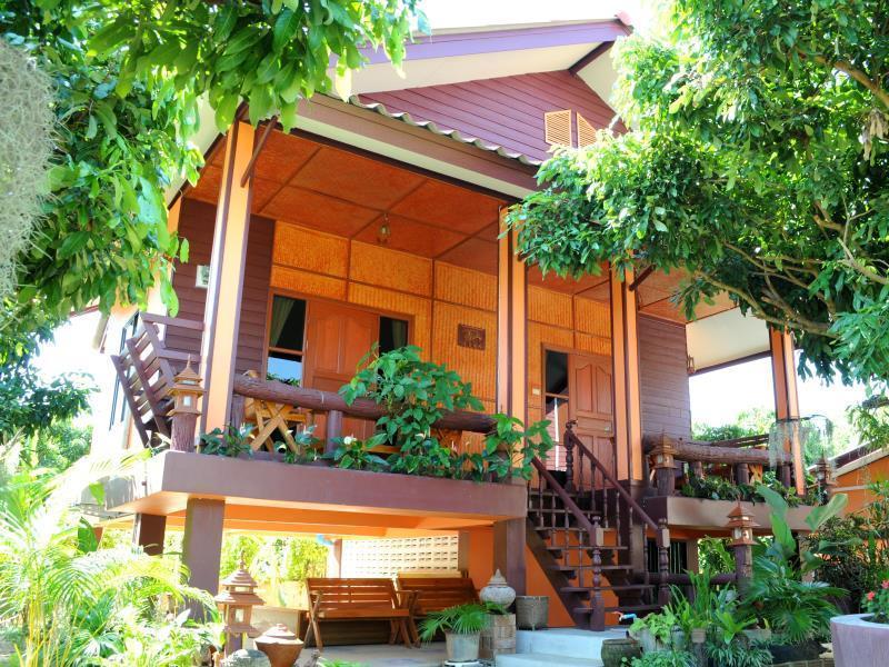 Bansuan Thanormpat Resort