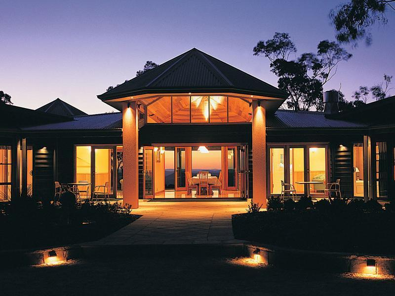 Noonaweena Accommodation, Wyong - South and West