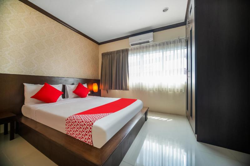 OYO 232 Patong City Hometel