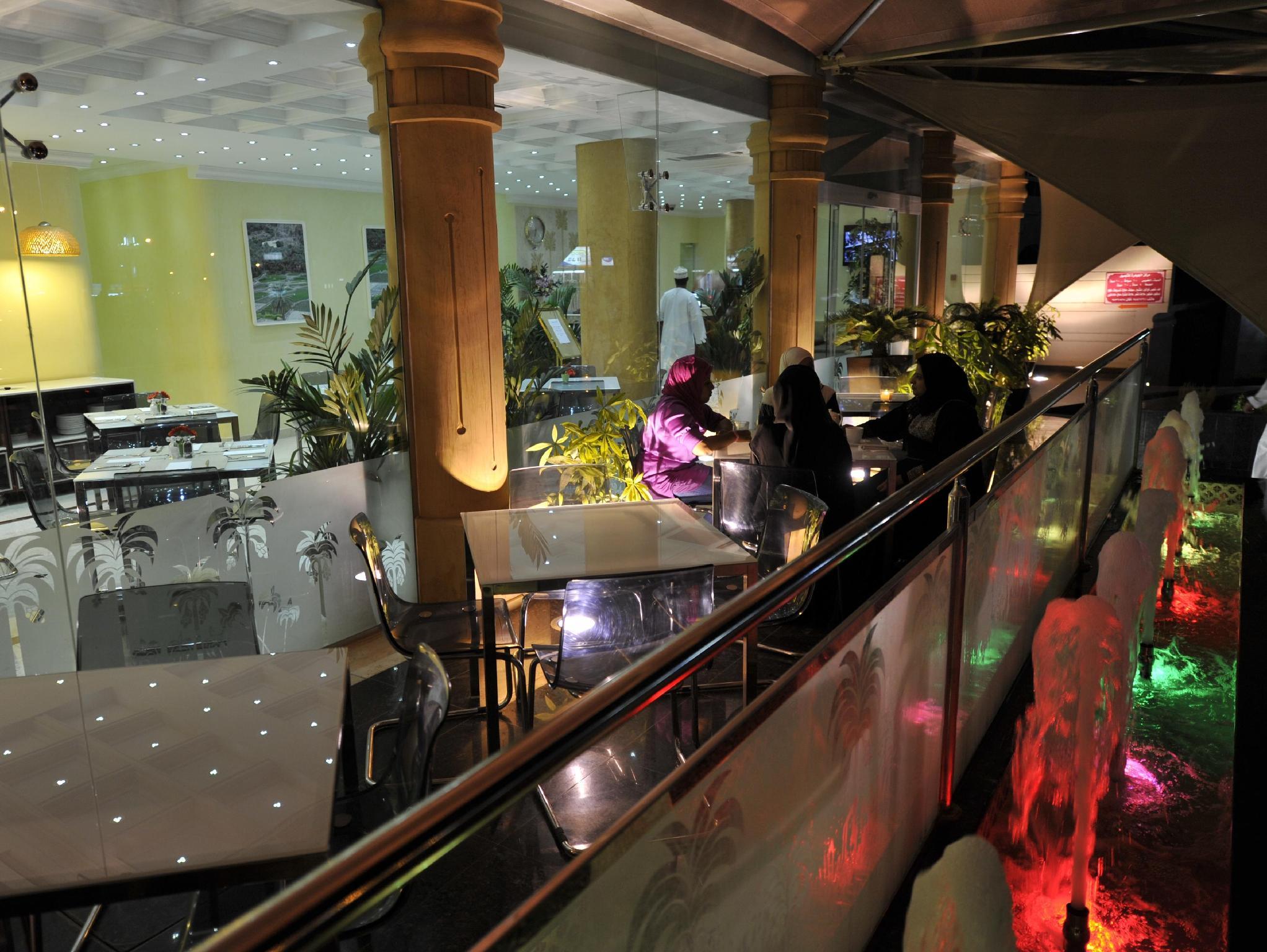 Oman Palm Hotel Suites, A Seeb