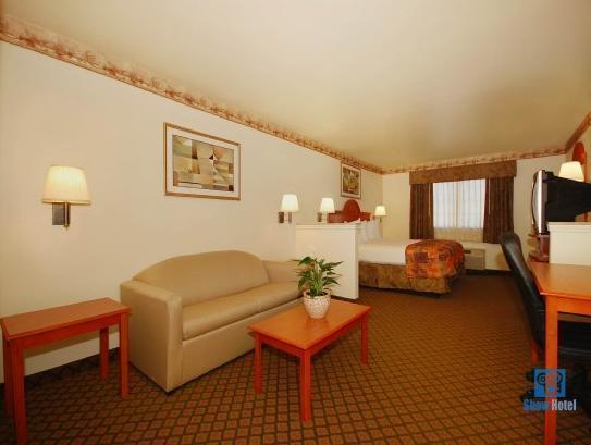 Best Western Henrietta Inn & Suites, Clay