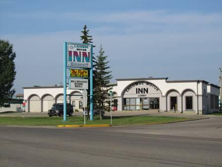 Lacombe Motor Inn, Division No. 8