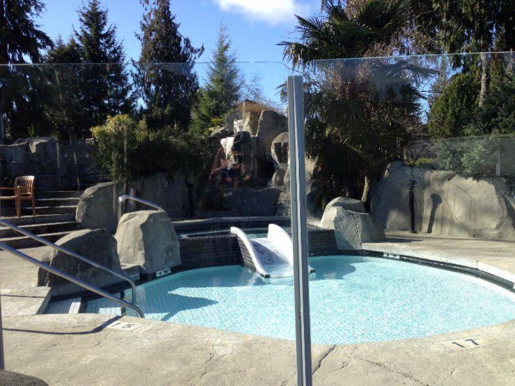 Best Price On Pacific Shores Resort And Spa In Parksville
