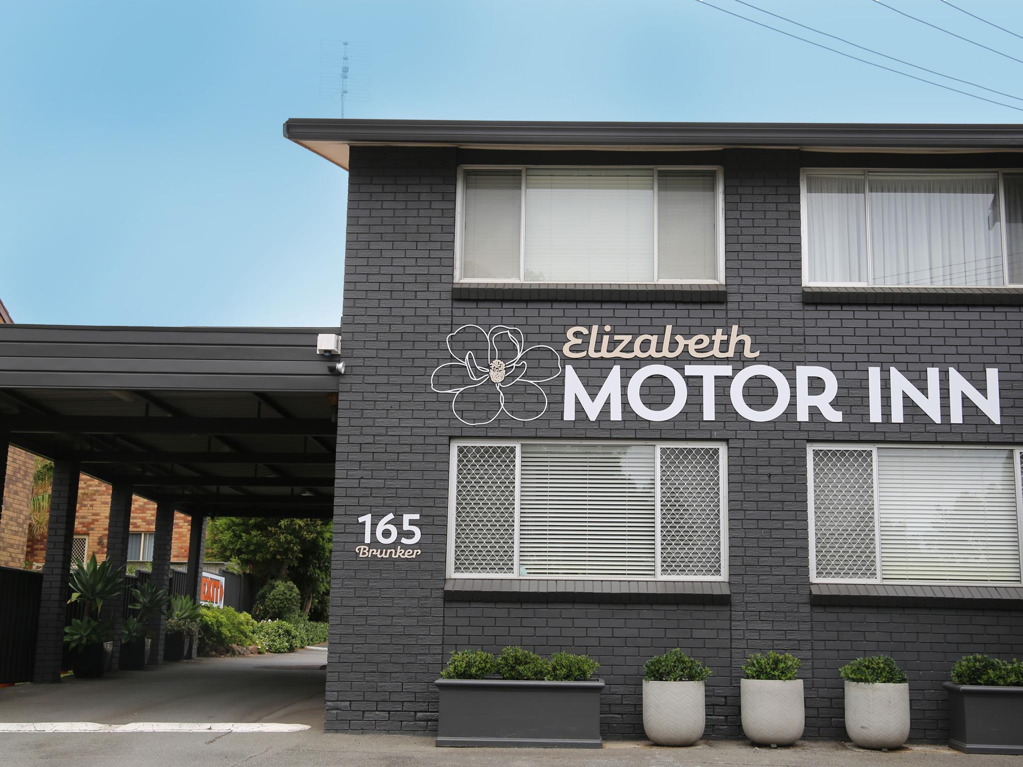 Elizabeth Motor Inn Adamstown, Newcastle - Throsby