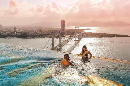 Khách sạn Danang Golden Bay