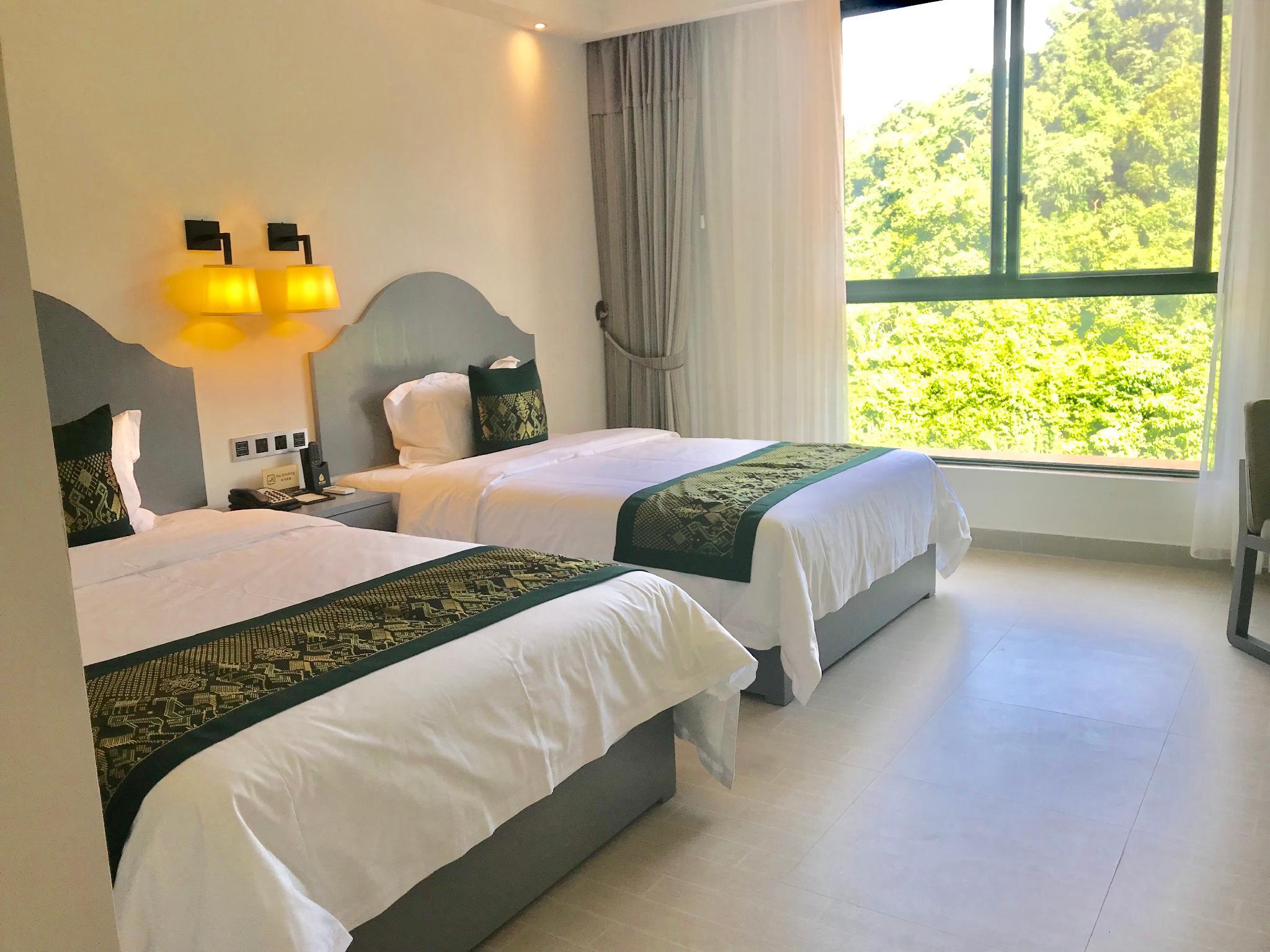 JING LAND HOTEL, Namtha