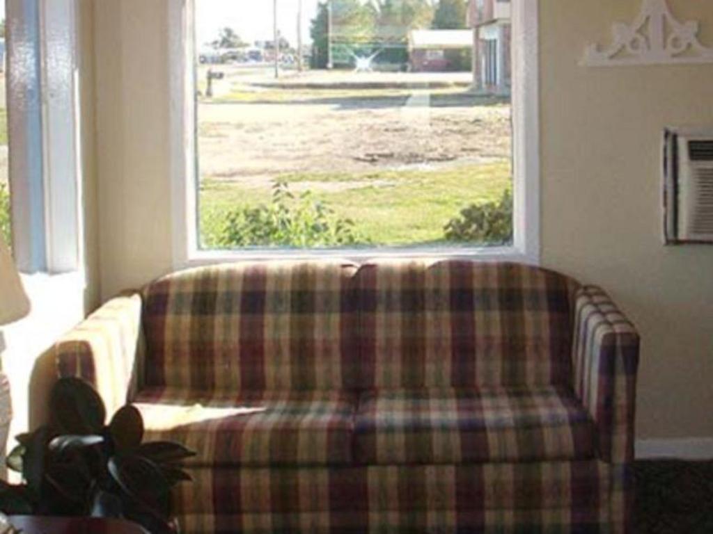 Best Price on Garden Inn Motel Blytheville in Blytheville AR