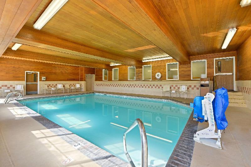 Best Western Plus Rama Inn  U0026 Suites