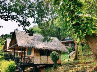 Naiya Beach Bungalow (Standard bungalows with Fan) - Phuket