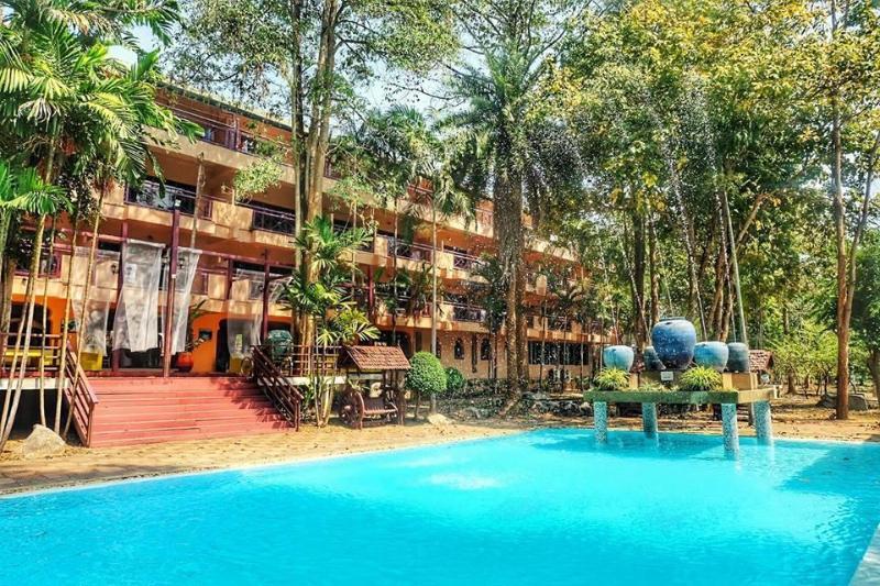 Baanrai Riverkwai Resort