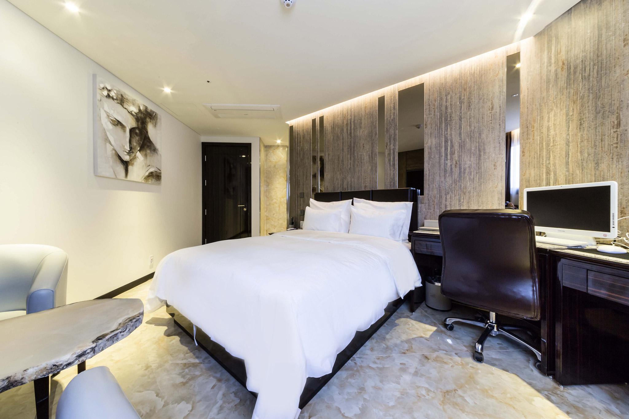 Guri Indi Present Hotel, Namyangju