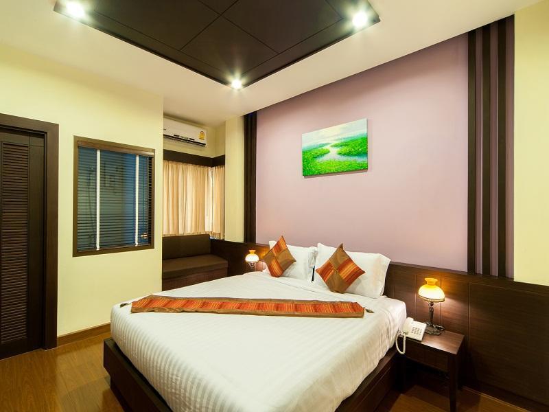 Tara Place, Phra Nakhon