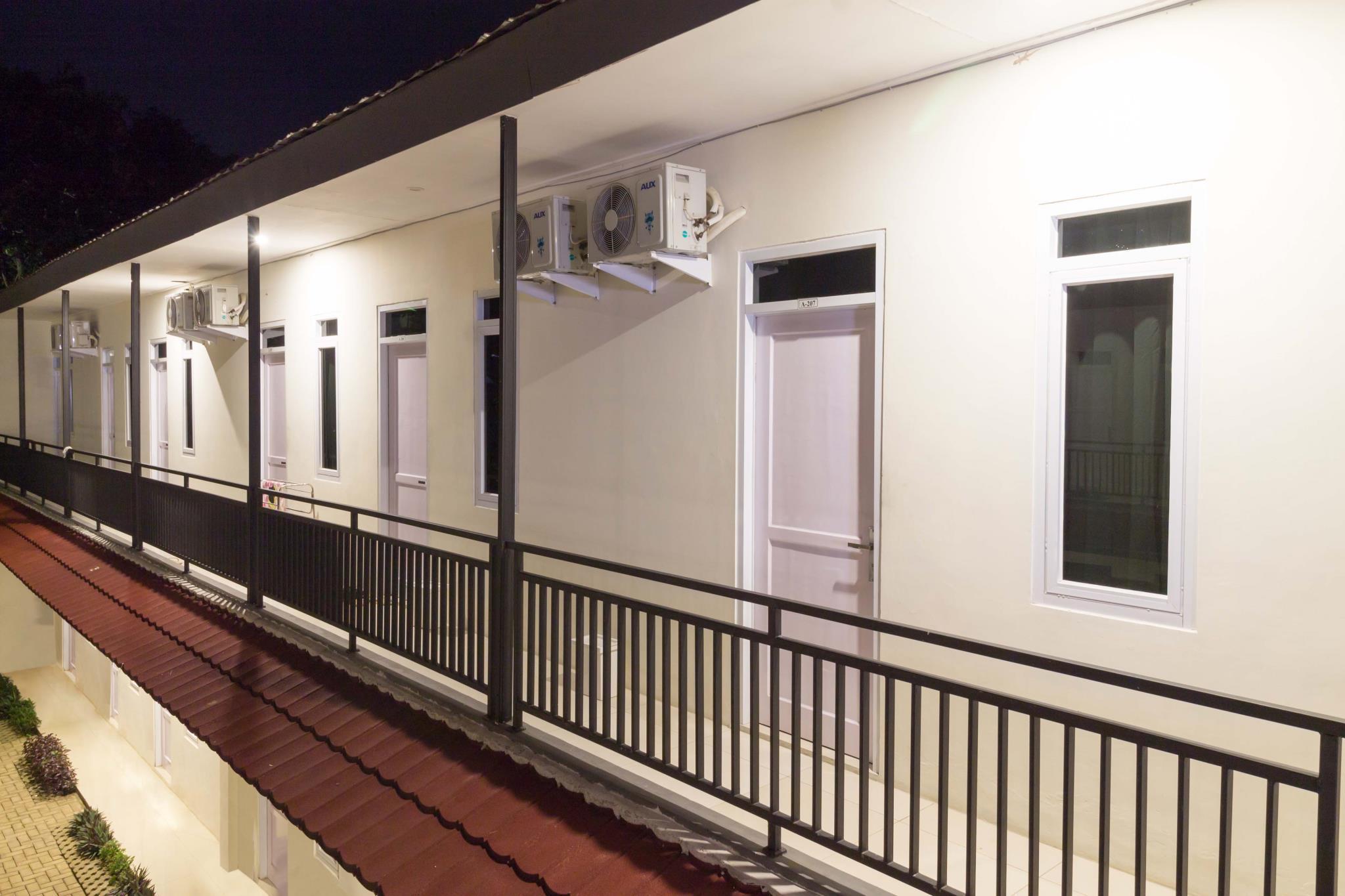 L'Cost Homestay, Bogor