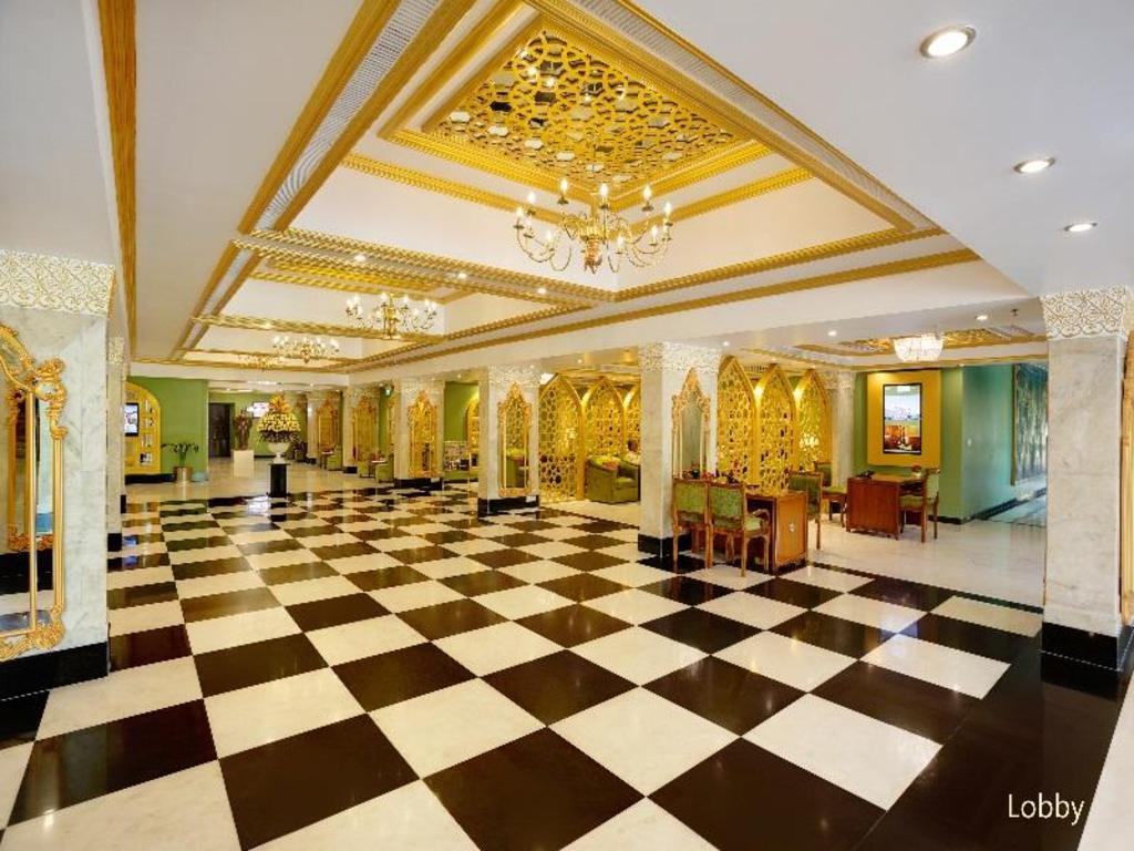 Best Price on Hotel Clarks Shiraz Agra in Agra + Reviews