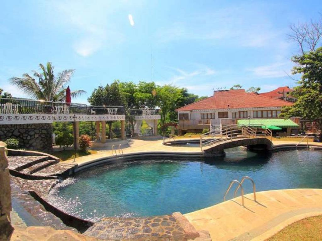 Best Price on Sol Y Viento Mountain Hot Springs Resort in Calamba + Reviews