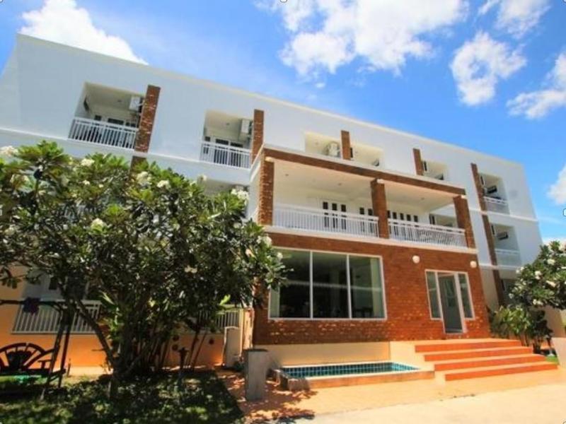 Baan Ton Mai Apartment