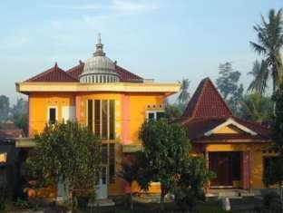 The Joglo Family Hotel & Homestay, Magelang