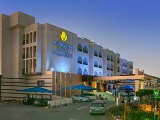 Golden Tulip Resort Qaser Al Baha,