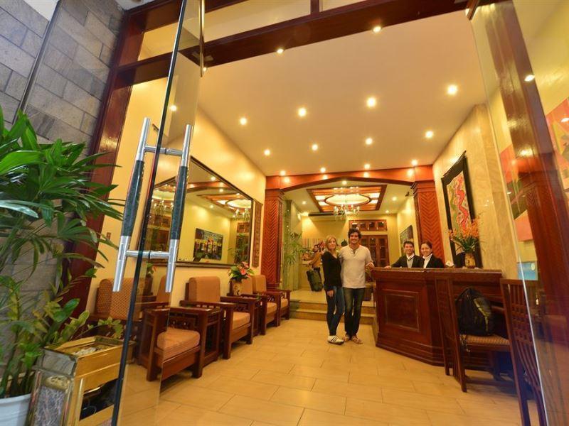 Artisan Lakeview Hotel