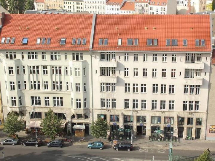 St. Christopher's Berlin Alexanderplatz