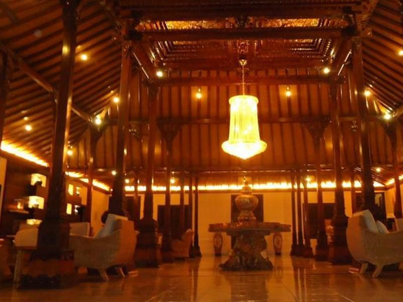 Ataya Hotel (Formerly D Green Kayon Airport Hotel Solo)