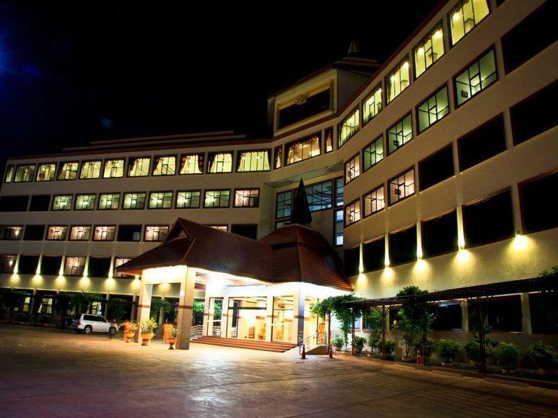 Golden Dragon Resort, Muang Sing Buri