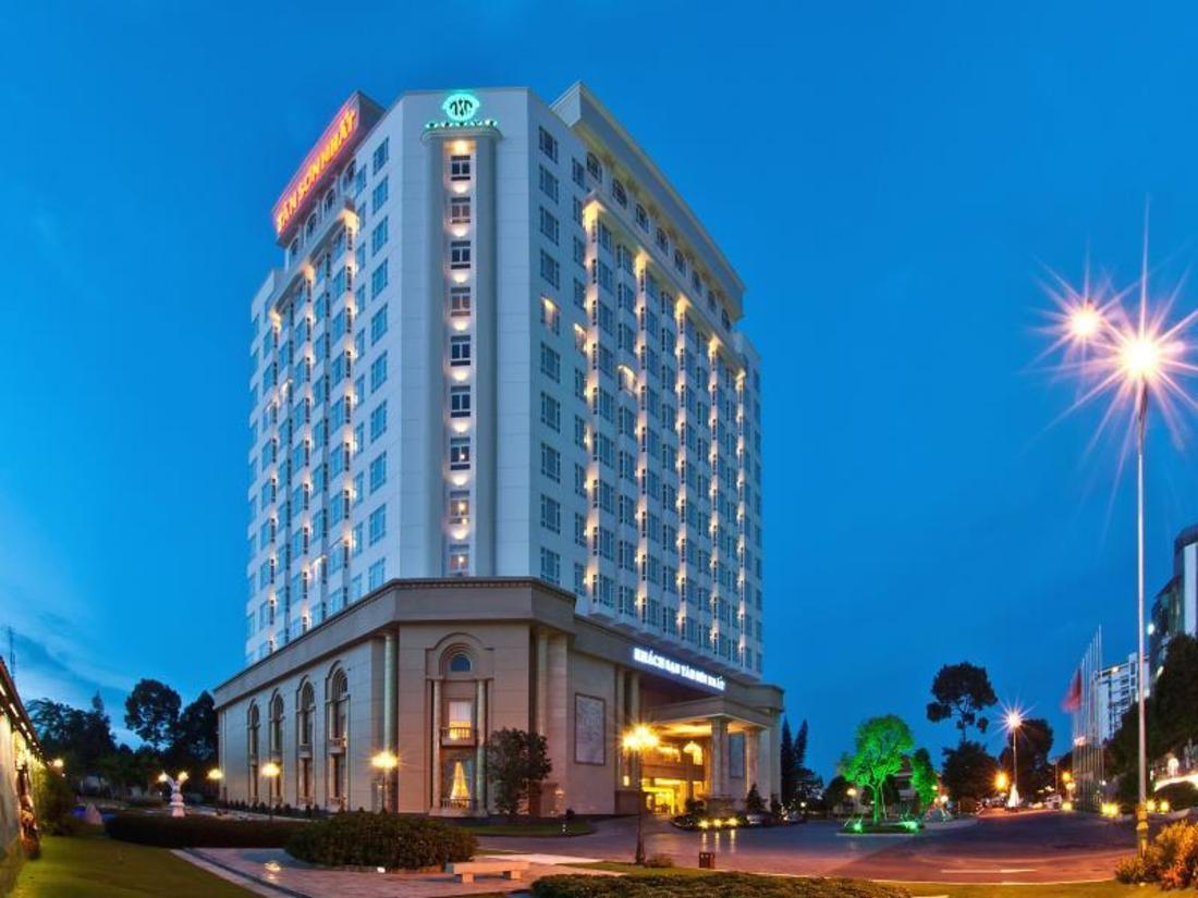 Image result for Tan Son Nhat Saigon Hotel