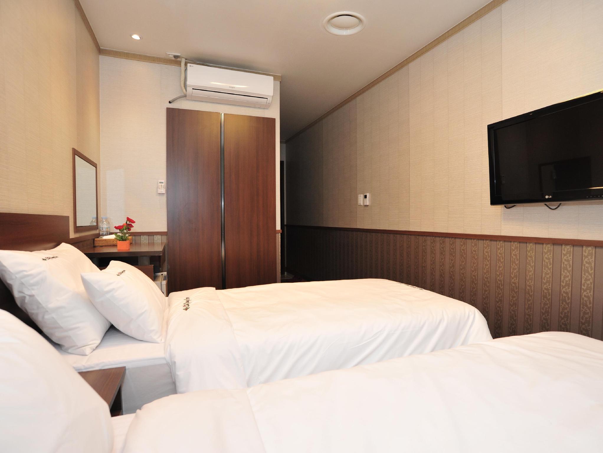Best Price on Global Inn Seoul Dongdaemun City Days Inn in
