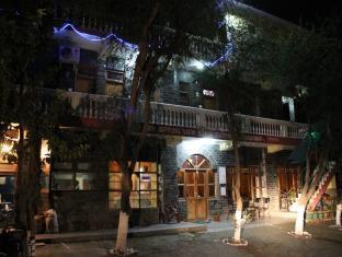 Hotel New Spring View Tatapani (50 km from Shimla), Mandi