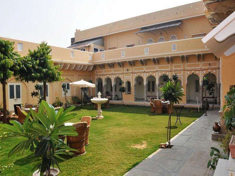 Castle Khandela Hotel, Sikar
