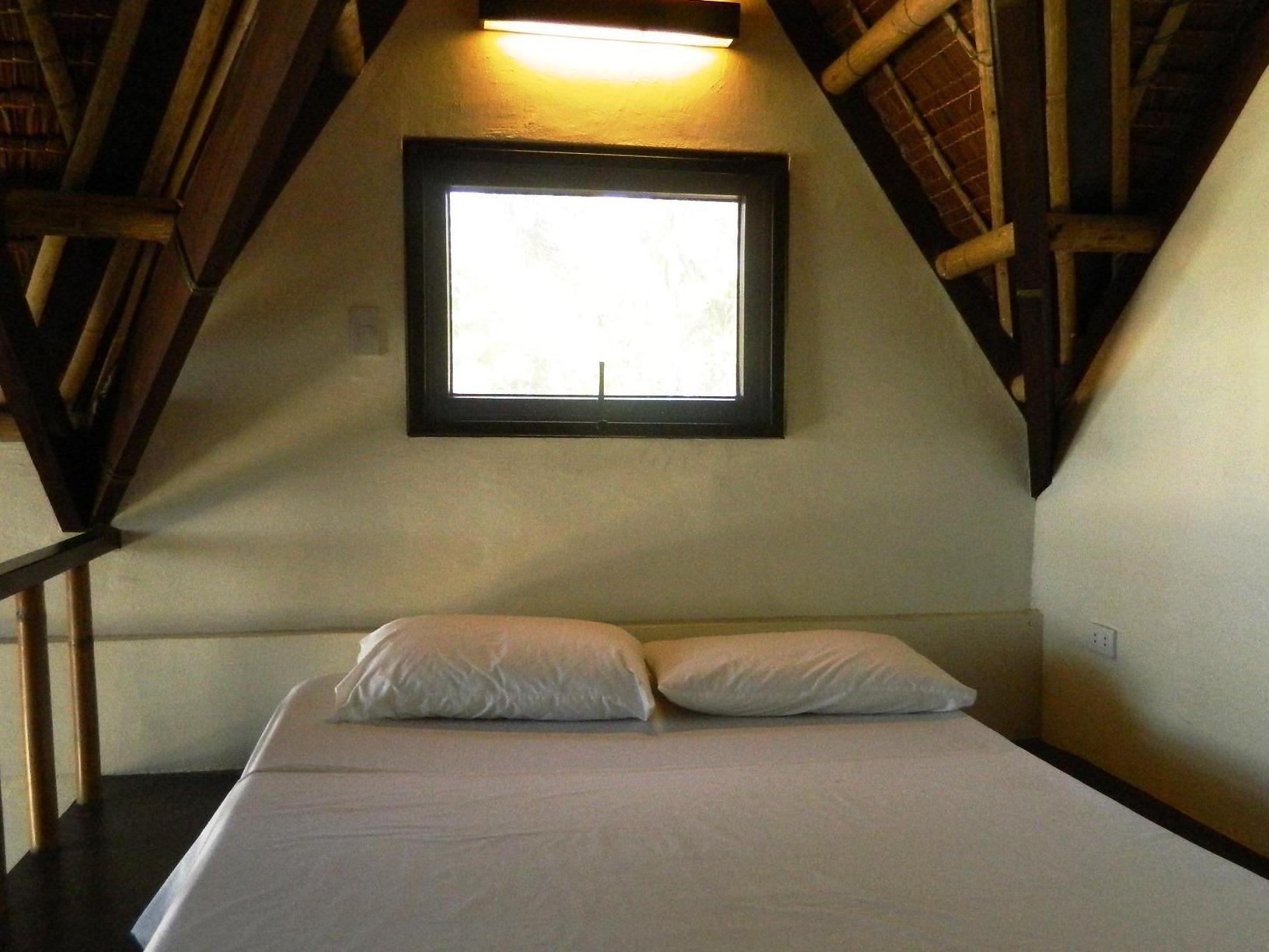 Bahari Beach Resort, Nabas