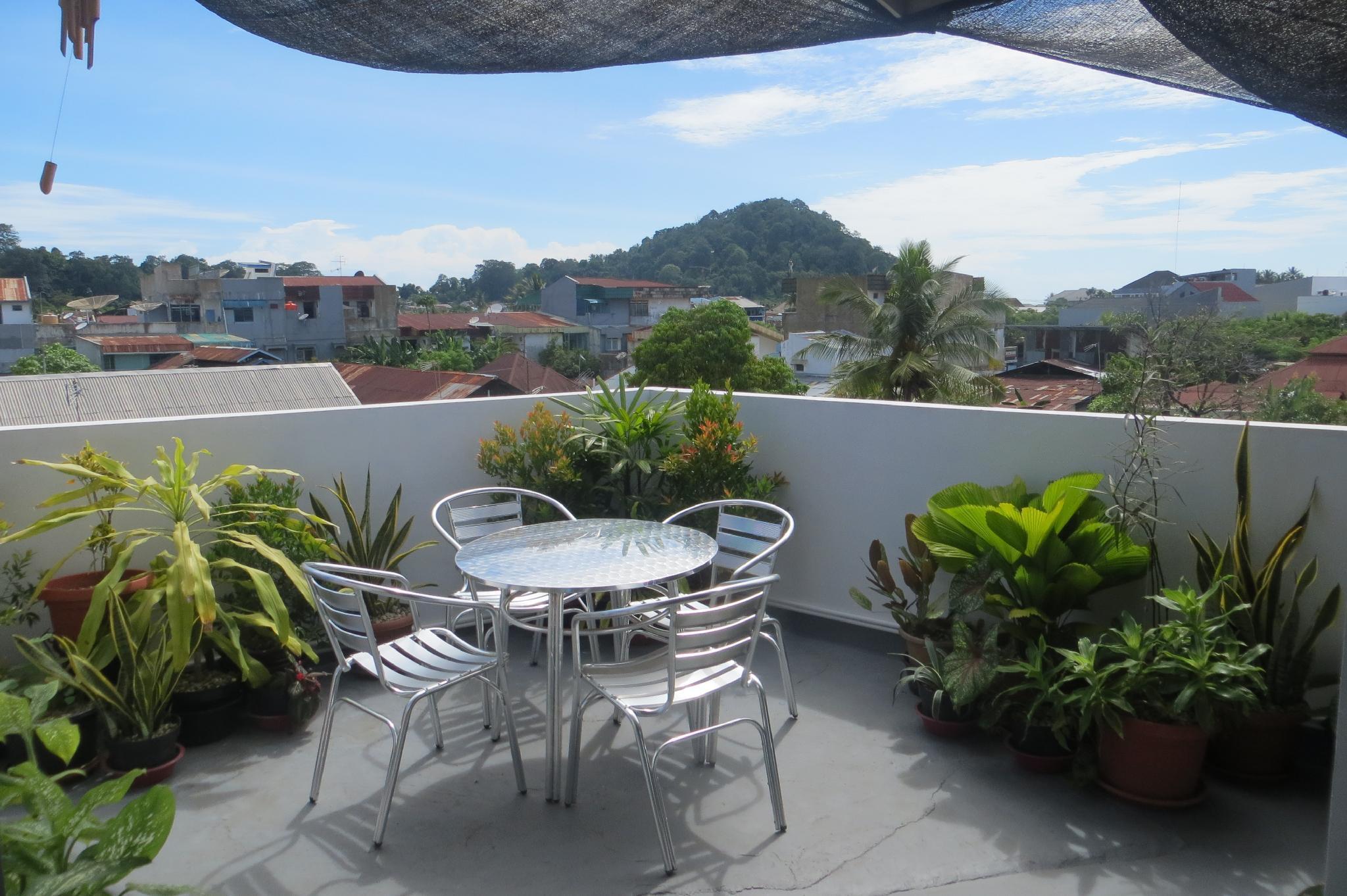 Brigitte's House, Padang