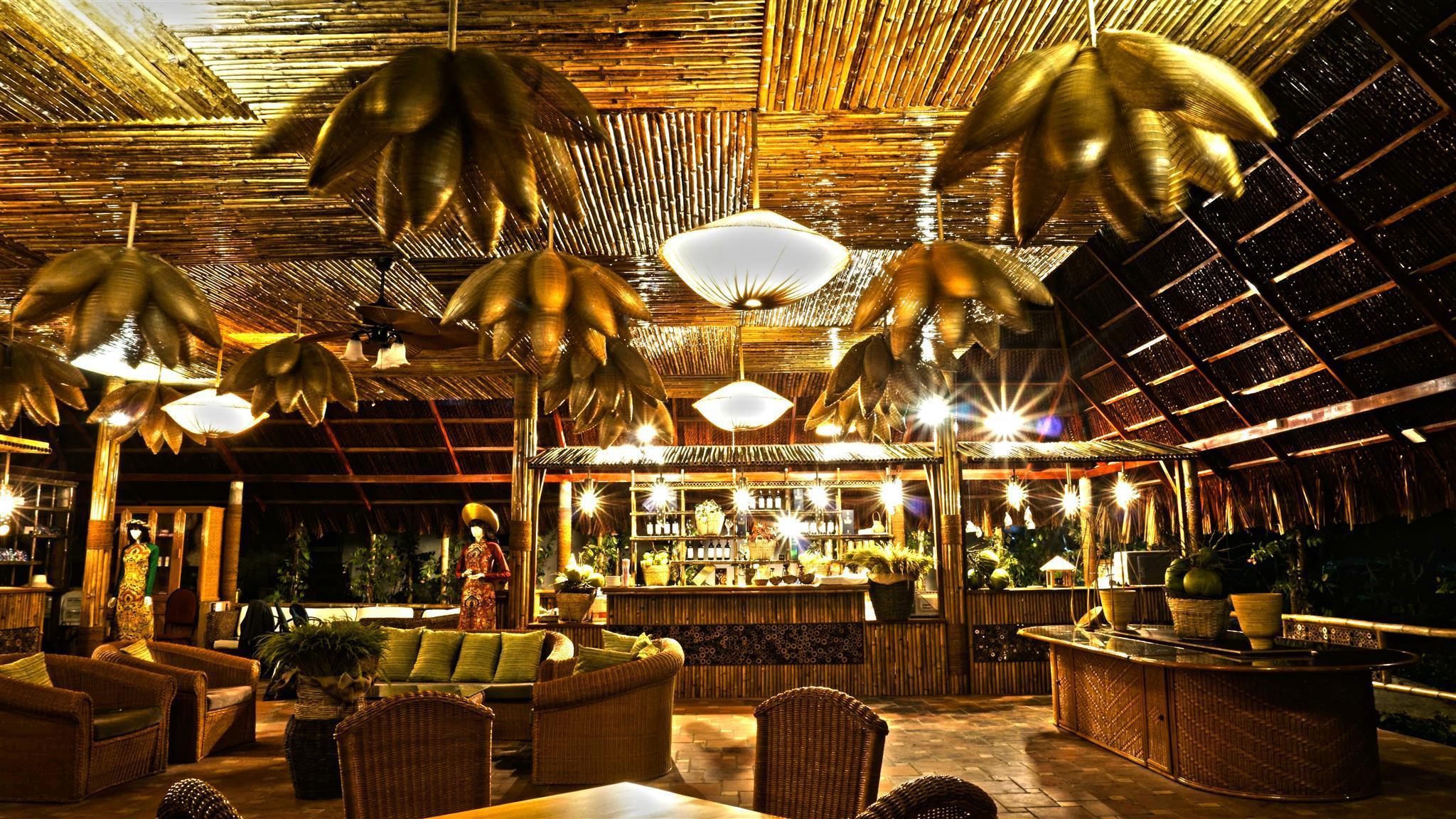 The Light Coral Island Resort, Van Ninh