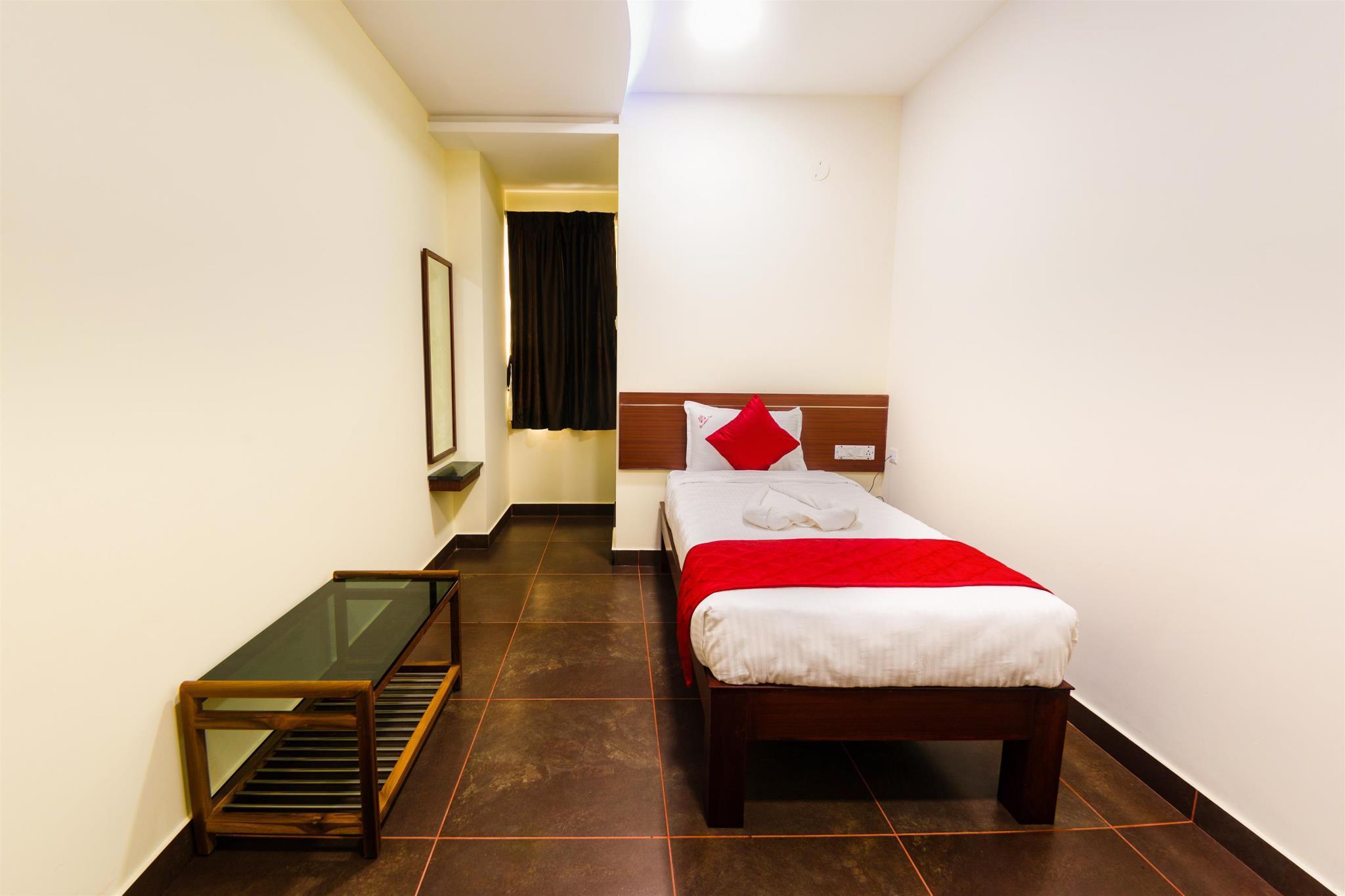 Hotel Signature Inn, Puducherry