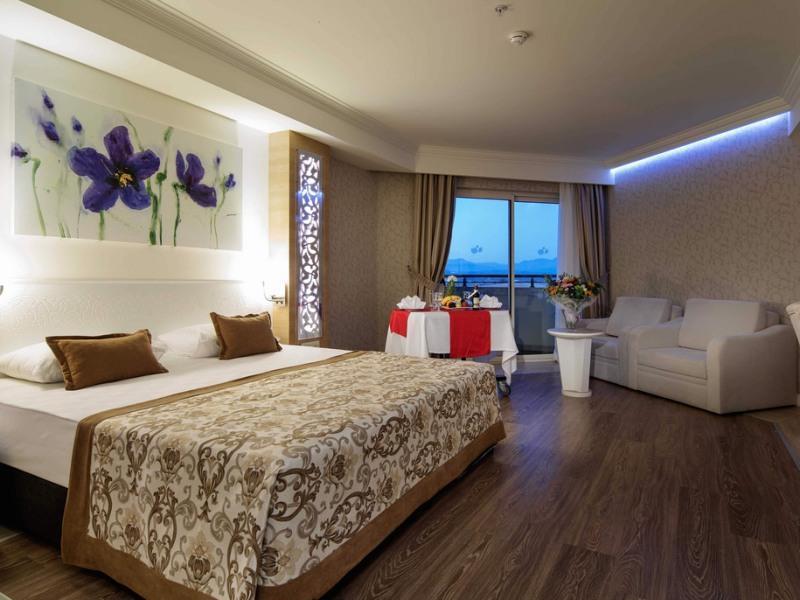 Crystal Sunset Luxury Resort Spa In Turkey