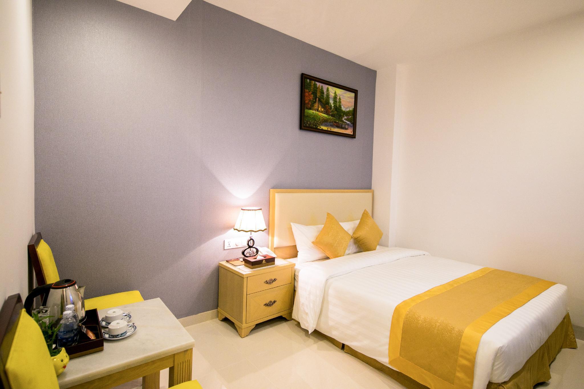 Le Saigon Hotel, Tân Bình