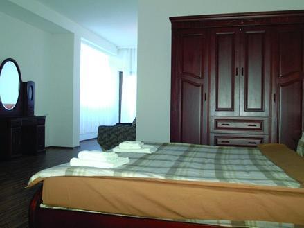 Denis Hotel, Priština