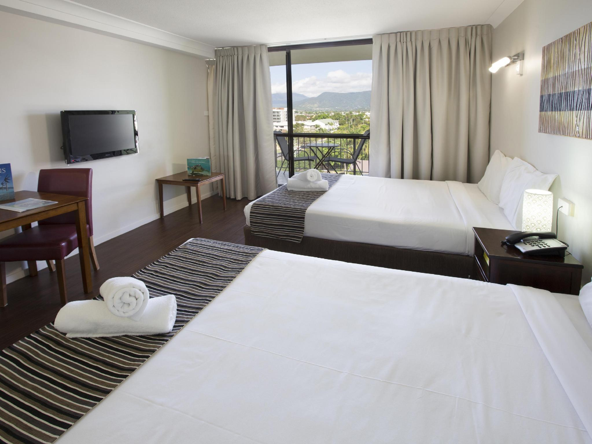 Best Price on Cairns Plaza Hotel in Cairns + Reviews
