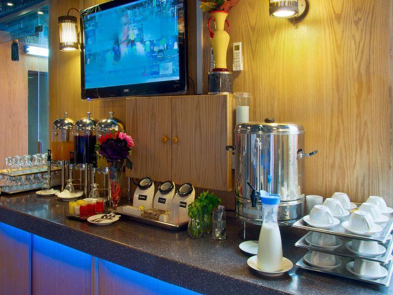 Al Farhan Hotel Suites Al Salam,