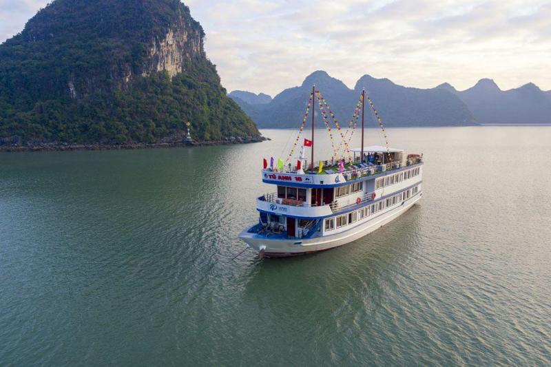 Du thuyền La Paci Cruises